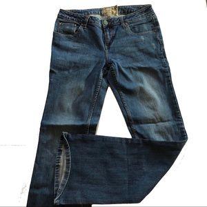 American Rag Size 7 Flare medium wash jeans